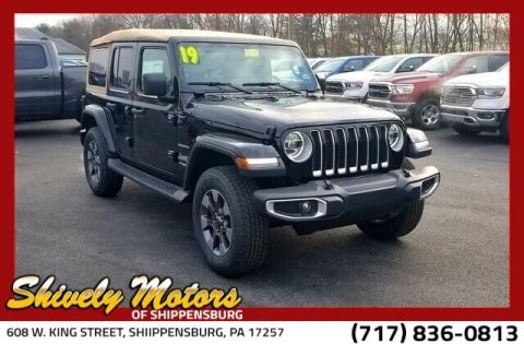 New 2019 JEEP Wrangler JL Unlimited Sahara